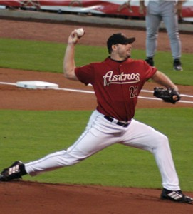 Roger Clemens pitching for the Houston Astros in 2005 (image courtesy of Wikipedia)